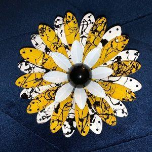Jewelry - 5/$25 Vintage inspired metal pin brooch